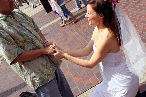Should Women Propose Should Men Wear Engagement Rings Merital Bliss